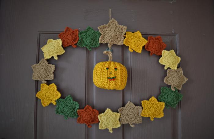Decoración de otoño, hojas en crochet.