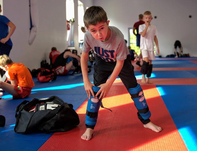 ferie,ZielonaGóra,sport,AkademiaZwycięzcy,AkcjaSzkoleniowa,kickboxing,boks,myaythai,dzieci,7-12lat