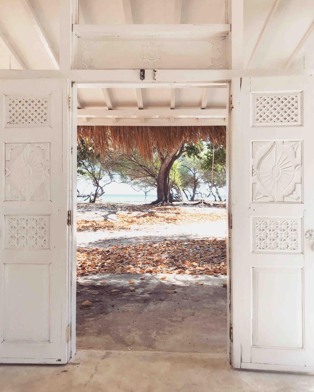villa ada private beach di lombok