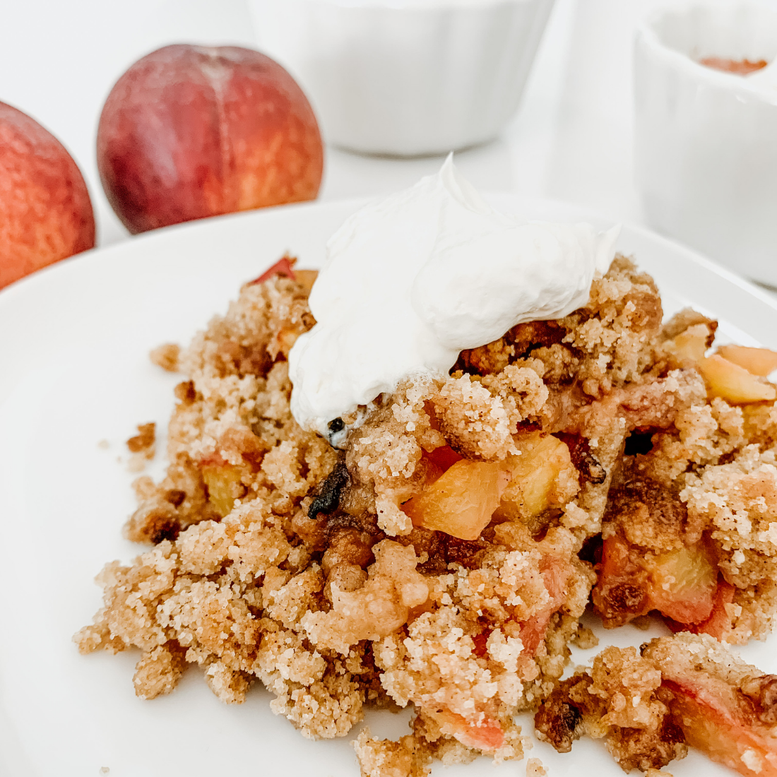 Super easy and delicious peach cobbler recipe, perfect for summer parties