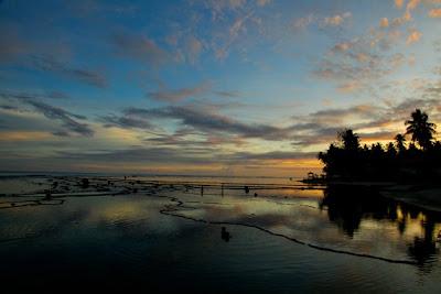 Senja di Pantai Lagundri, Nias Selatan, Sumatera Utara
