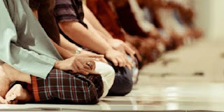 Yang Dilakukan Jika Terlambat Datang Ke Mesjid Dan Sholat Jama'ah Telah Selesai