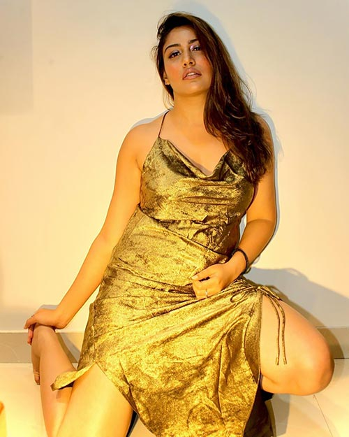 Surbhi Chandna looks ravishing and sexy in this dress. Navel Queens