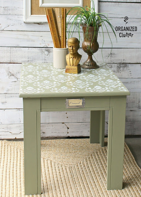 A Damask Garage Sale End Table Upcycle #damask #stencil #upcycle #garagesalefind #anniesloanchalkpaint #ASCP #chateaugrey #stencil