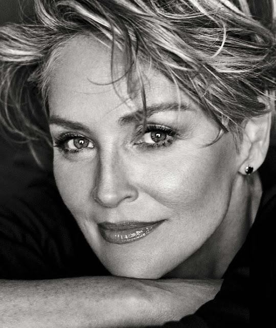 Sharon Stone ringrazia di cuore l'Albania per l'invio di medici e infermieri in Italia