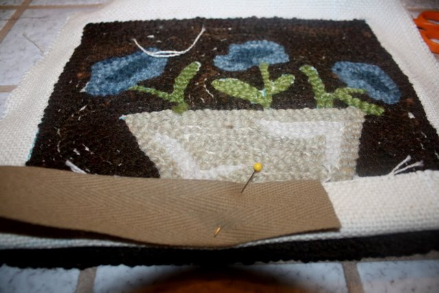 Primitives By The Light Of The Moon How I Bind A Hooked Rug
