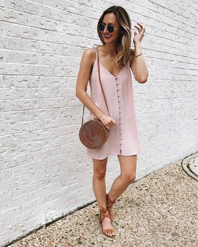 Looks de verão com vestido de botão