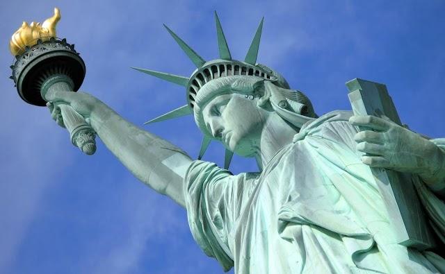 Francia regala otra Estatua de la Libertad a Estados Unidos