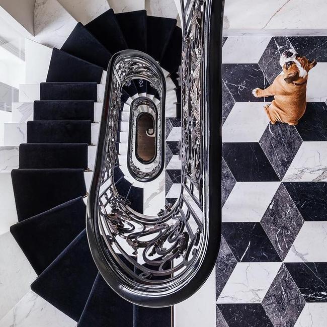 Blanco y Negro, Black and White, Chic, contrastes, Decor, Decoración, Diseño Interiores, Escaleras, home decor, Inspiration, inspire, interior, interior design, Suelos,
