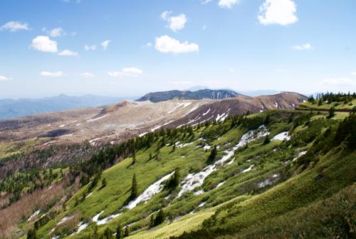 日本国道最高地点から見える草津白根山