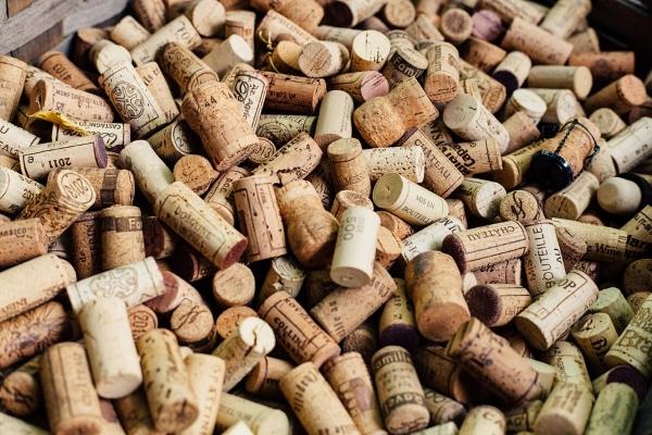 sughero-tappi-bottiglie-vino