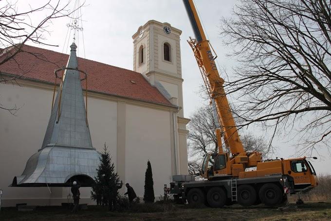Soltész Miklós: Folytatódnak a templomfelújítások Kárpát-medence-szerte
