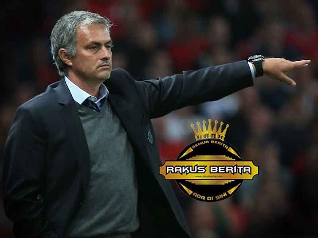 Walaupun Gagal Di Awal Musim, Mourinho Tetap Bangga Sudah Berikan Gelar