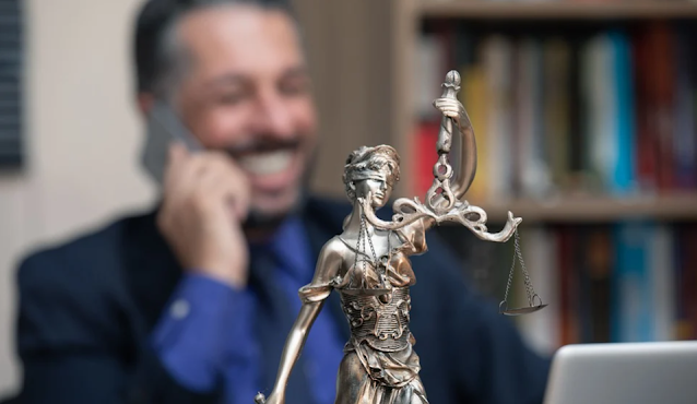 pengacara