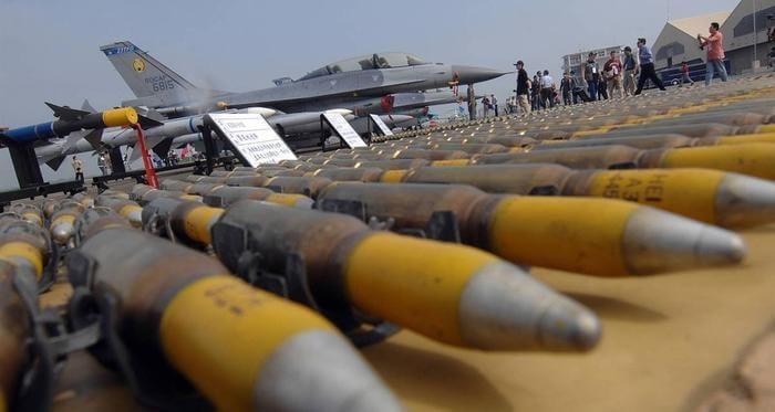 السعودية تشتري صفقة اسلحة من الولايات المتحدة الامريكية بقيمة 100 ملياور دولار