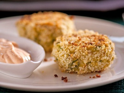 Crab Cakes With Spicy Cream