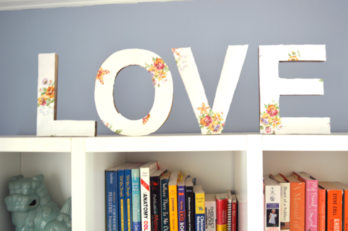 wooden letters get stylish with wallpaper
