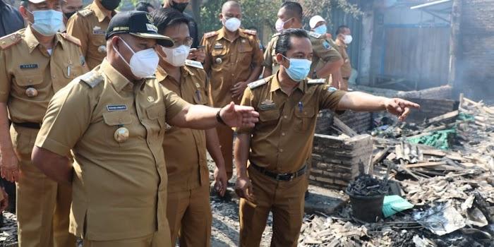 Pasca Kebakaran di Pasar Bakauheni, Bupati Lamsel Sediakan Tempat untuk Para Pedagang