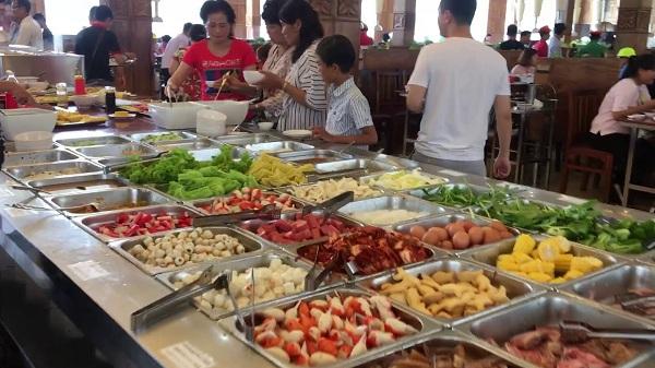 Thưởng thức ẩm thực campuchia tại nhà hàng
