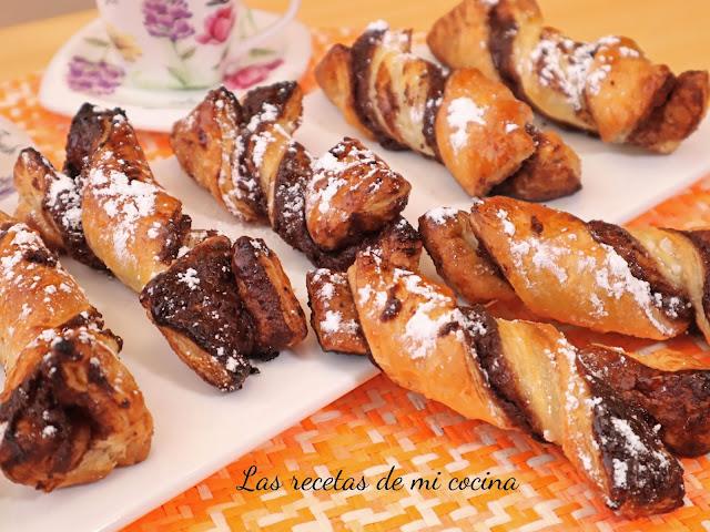 Lazos de hojaldre con nutella casera