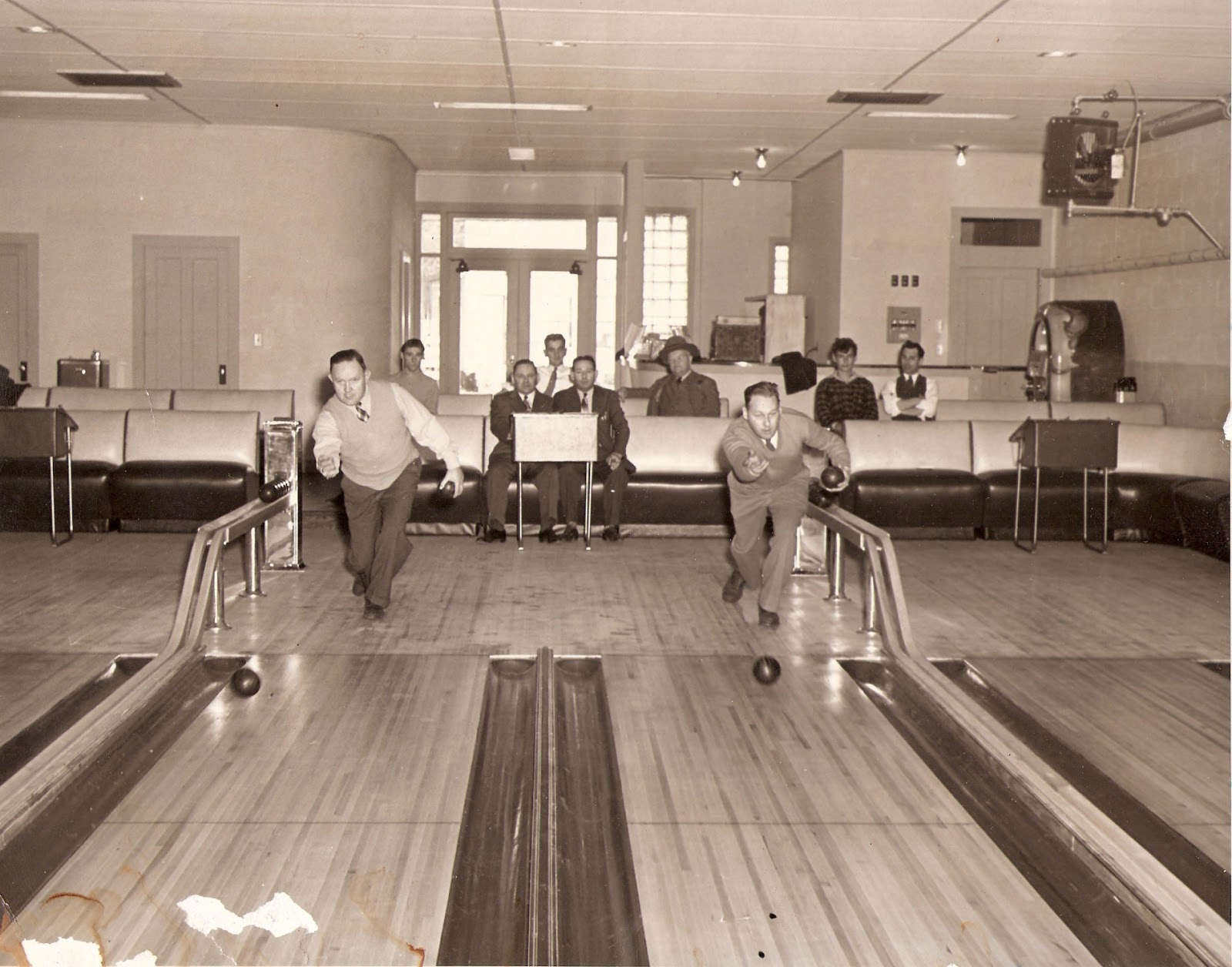 the history of bowling About track track bowling was founded as star track bowling in solon, ohio in the 1970's with the goal of manufacturing balls for the bowler that wanted to be on the cutting edge of technology.