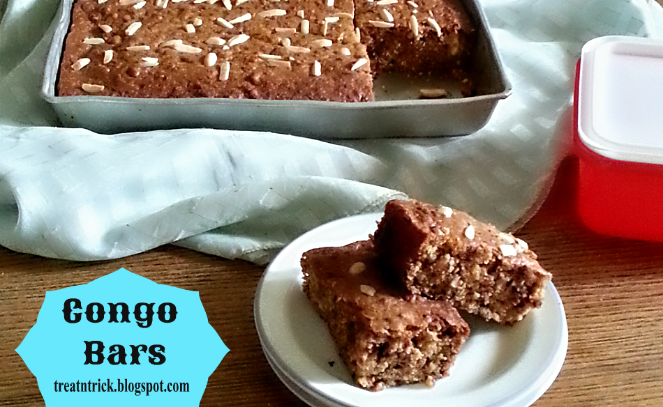 Congo Bars Recipe @ treatntrick.blogspot.com