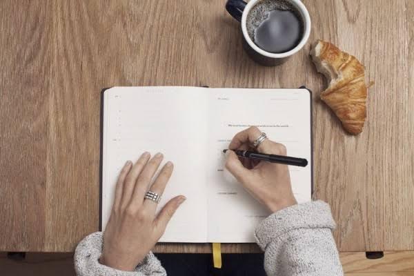Menulis sebagai mimpi dan cita-cita