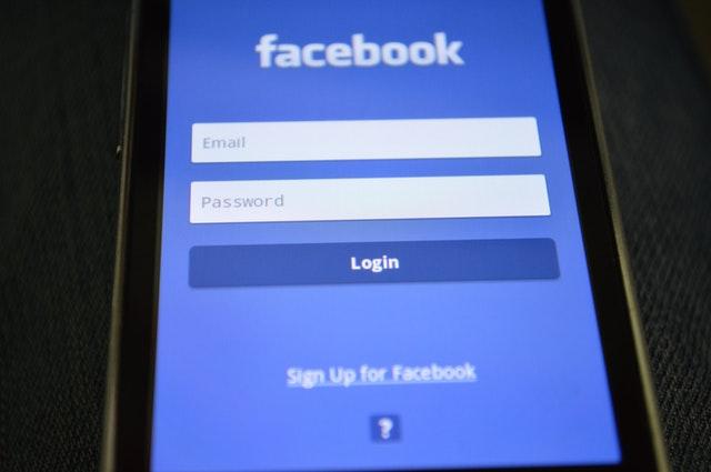 تغيير اللغة على الفيس بوك