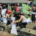 DLHK Bersama Warga Batujaya Bersihkan Saluran Irigasi