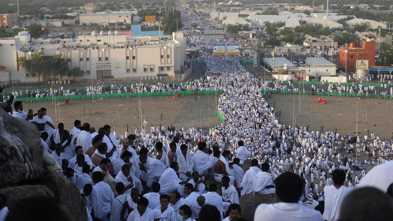Tantangan Petugas Saat Puncak Haji