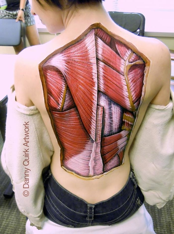 02-Danny-Quirk-Anatomy-Explored-with-Body-Painting-www-designstack-co