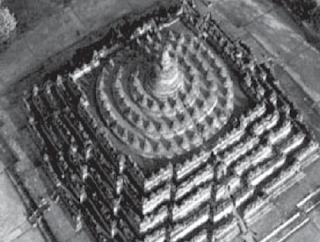 Peninggalan Bangunan Bersejarah yang Bercorak Hindu-Buddha