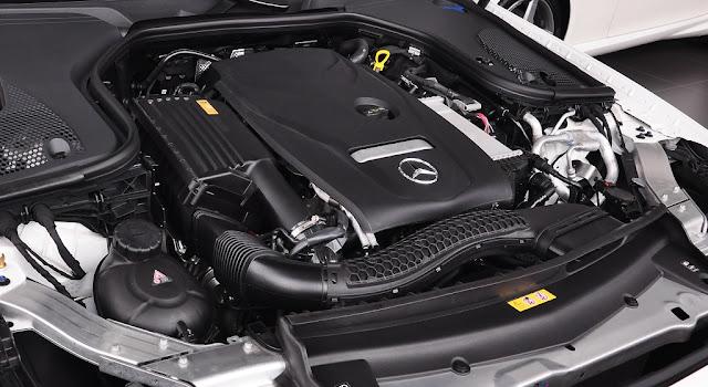 Động cơ Mercedes E250 2018 có khả năng vận hành mạnh mẽ và vượt trội
