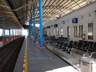 penampakan stasiun Ngrombo