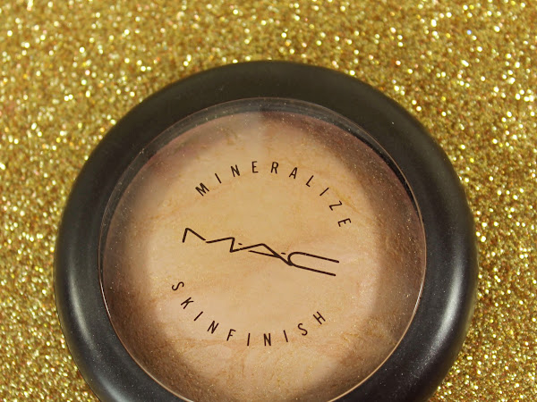 MAC MONDAY | Porcelain Pink Mineralize Skinfinish Swatches & Review