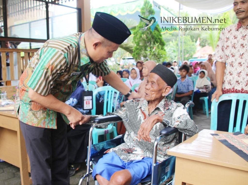 Jelang Akhir Tahun 2019, Baznas Kebumen Salurkan Zakat Rp 771,6 Juta