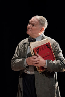 David Hare: The Moderate Soprano - Paul Jesson - Duke of Yorks Theatre (Photo Johan-Perrson)