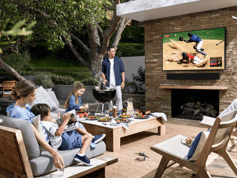"""Samsung """"The Terrace"""" outdoor 4K TV with IP55 rating and 2,000 nits brightness now official!"""