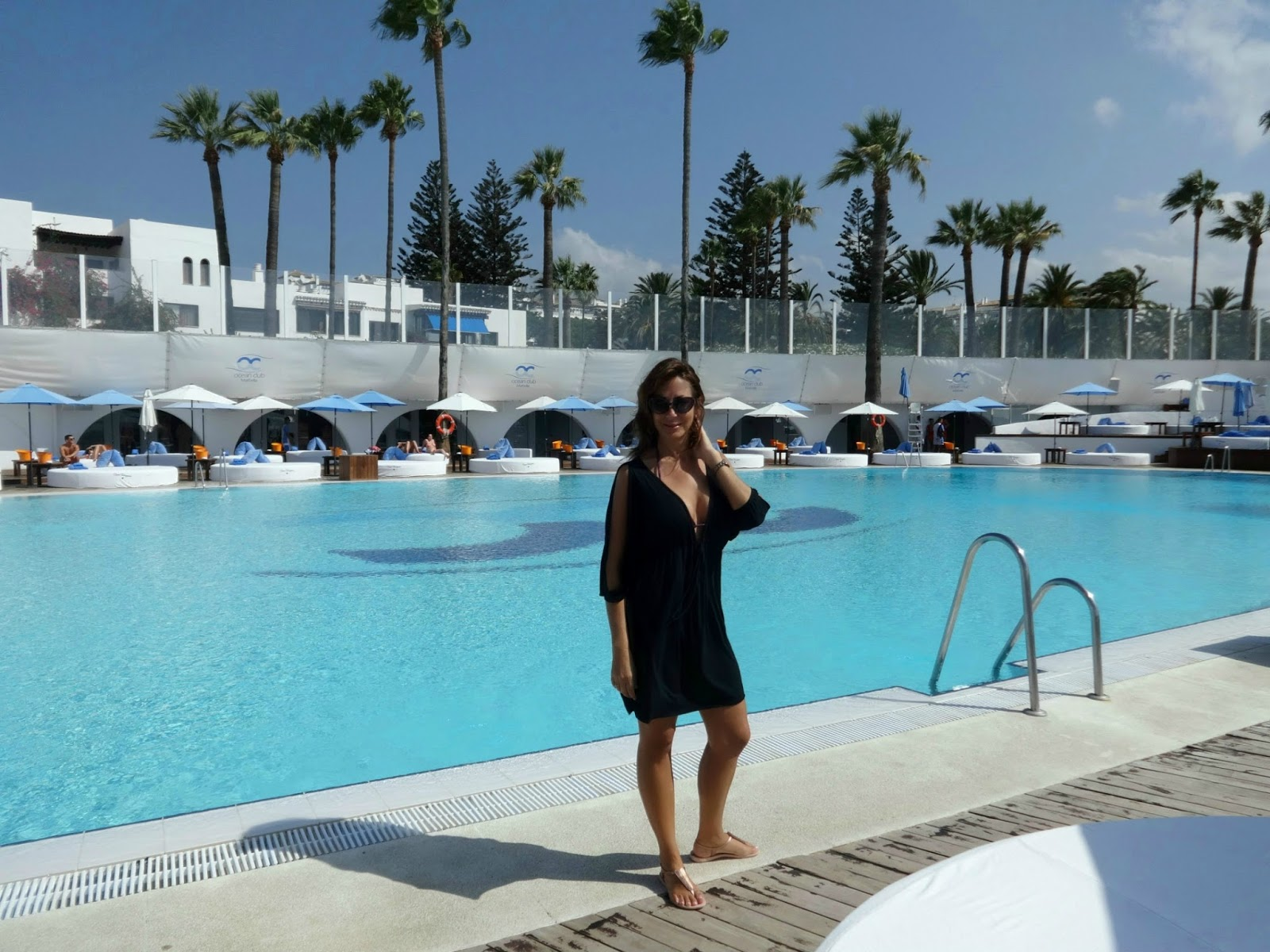 Christine Michaels at pool Marbella Club Puerto Banus