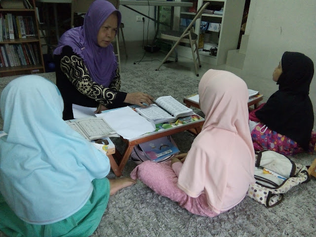Atmosphere of Semester Exam In Rumah Qur'an BNQ Bintaro (House Qur'an of BNQ)