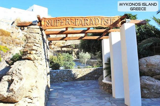 Super Paradise beach bar Mykonos island.Mikonos ostrvo beach barovi i klubovi.
