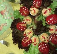 красивая праздничная закуска из помидоров