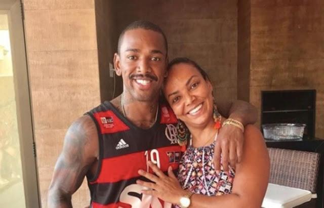 Mãe de Nego do Borel registra B.O. pelo desaparecimento do cantor