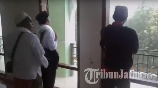 Diterjang Puting Beliung, Kubah Masjid Roboh, Ribuan Relawan Jokowi Histeris!