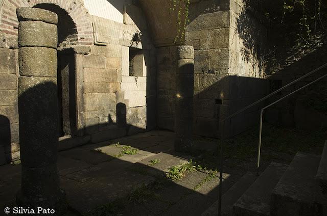Entrada al templo de Bóveda
