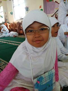 Namaku Aisyah Nuriy Arina dan bisa dipanggil Aisyah atau Aca.