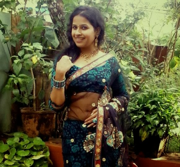 Hot Pics Sexy, Boobs Kiss Blouse Cleavage Show Without Bra Saree Navel Hd, Hips Bikini Thighs -1979