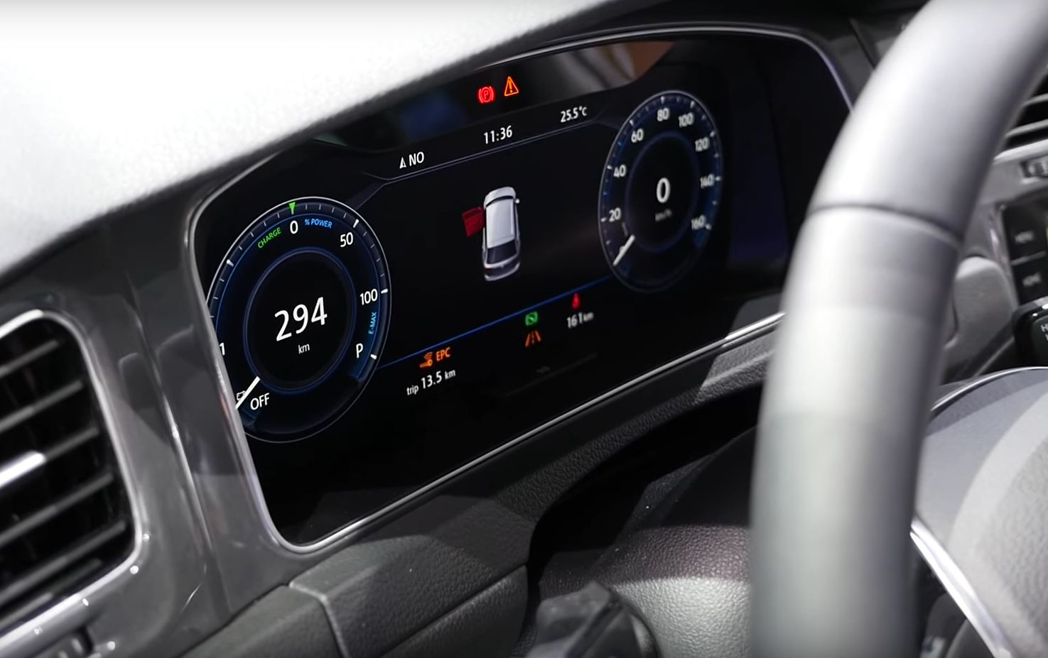 Interior do novo vw golf 2018 revelado no e golf touch for Interior volkswagen golf