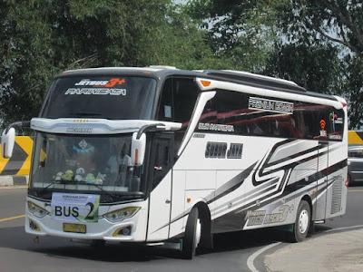 Bus Subur Jaya McLaren