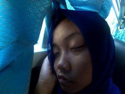 Yusi tidur